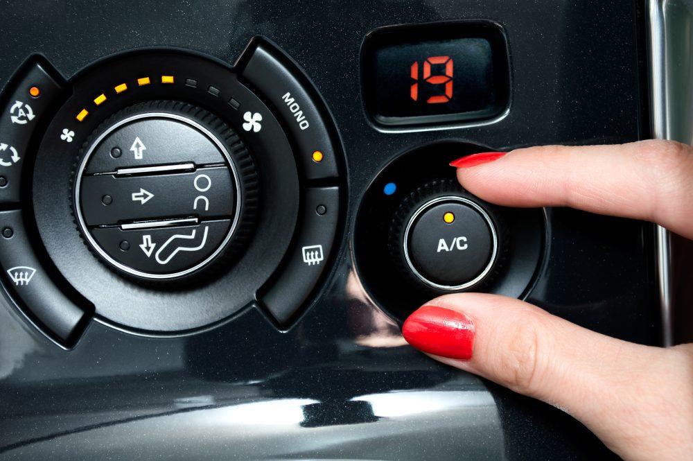 Jak zadbać i prawidłowo korzystać z klimatyzacji w samochodzie. przeczytaj!