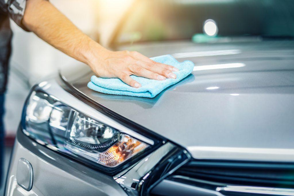 Zadbaj o swoje auto zimą. Korzystanie z myjni samochodowej w zimie zalecane.